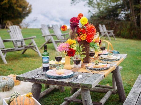 Ideas para decorar mesas al aire libre. Decoración de mesas para fiestas al aire libre.