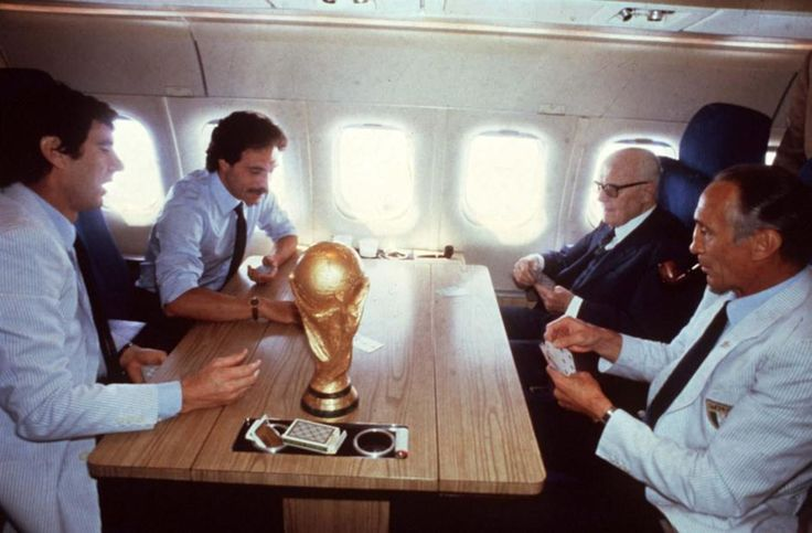 Iconic photo of Sandro Pertini (7th Italian President) playing cards with Dino Zoff and Enzo Bearzot, 1982
