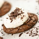 Hot Chocolate Cookies-Totally have to make these for the Hubs.: Hot Cocoa Cookies, Marshmallows Cookies, Hot Chocolates Cookies, Chocolates Bar, Cookies Recipes, Sweet Tooth, Sweettooth, Hot Chocolate Cookies, Cookies Exchange