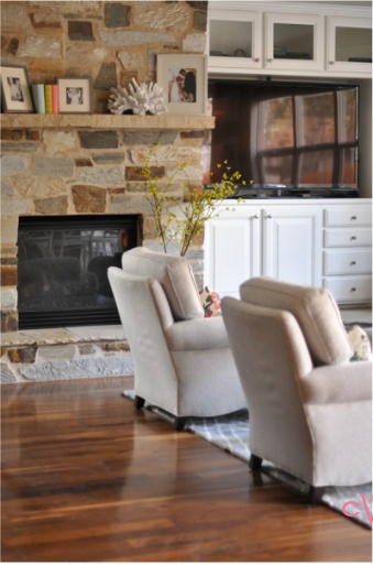 Large Built In Cabinate Storage To Right Of Fireplace Temp Place For Tv