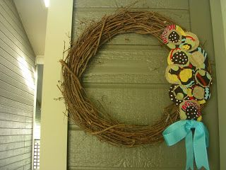 Interchangeable Wreath   It all started with this wreath. I've had it for a few months and it's just been sitting in my closet because I...