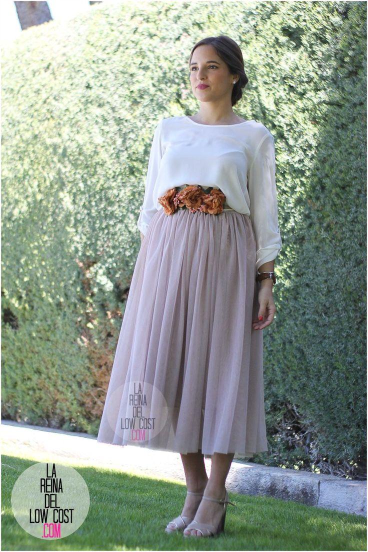 Look para bodas, bautizos y comuniones 2016: falda de tul y cinturón de flores
