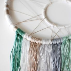 Make a stunning modern dreamcatcher. Brilliant step-by-step tutorial with full photography.
