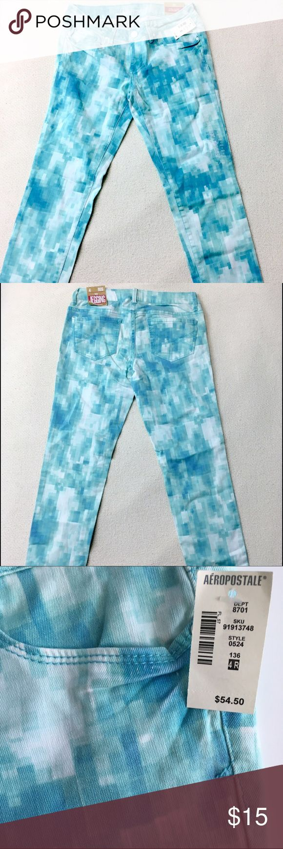 Aeropostale Watercolor Geo Printed Skinny Jeans These jeans feature a geometric watercolor print. They are the Lola Jegging fit. 64% Cotton 34% Rayon 2% Spandex Aeropostale Jeans Skinny