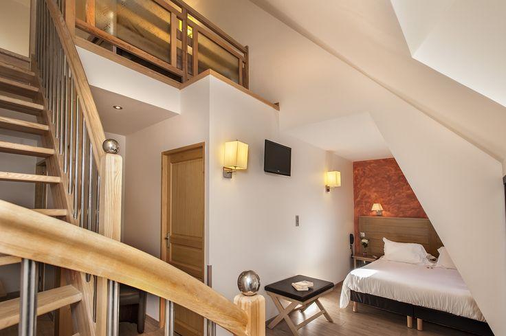 De 2 à 5 personnes nos suites vous accueillent pour vos séjours en famille. #séjourà2 #séjourfamille #famillelozere #hotelles2rives