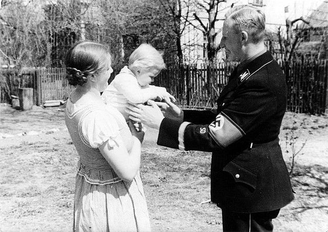 Reinhard & Lina Heydrich with their son Karl | Flickr - Photo Sharing!