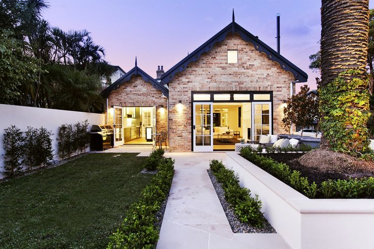 I am totally wowed by Michelle Bridges' home which is currently for sale. This is perfection to me.