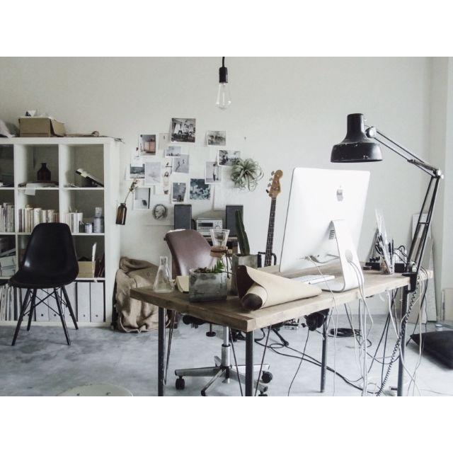 エレキベース、読書、レザークラフト、画像編集、インテリアのDIY、コーヒー、カメラ、Macでの画像編集、音楽、植物……この部屋にいるとやりたいことがありすぎて忙しいです。 一人暮らし/NO GREEN NO LIFE/メンズ部屋/DIY/IKEA…などのインテリア実例 - 2015-04-19 11:21:31 | RoomClip(ルームクリップ)