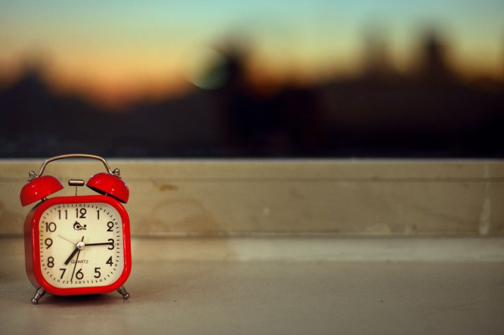 6 Ways You Might Need To Know In Choosing Your Travel Alarm Clock - See more at: http://holidaybays.com/6-ways-you-might-need-to-know-in-choosing-your-travel-alarm-clock/#sthash.YEvvdded.dpuf