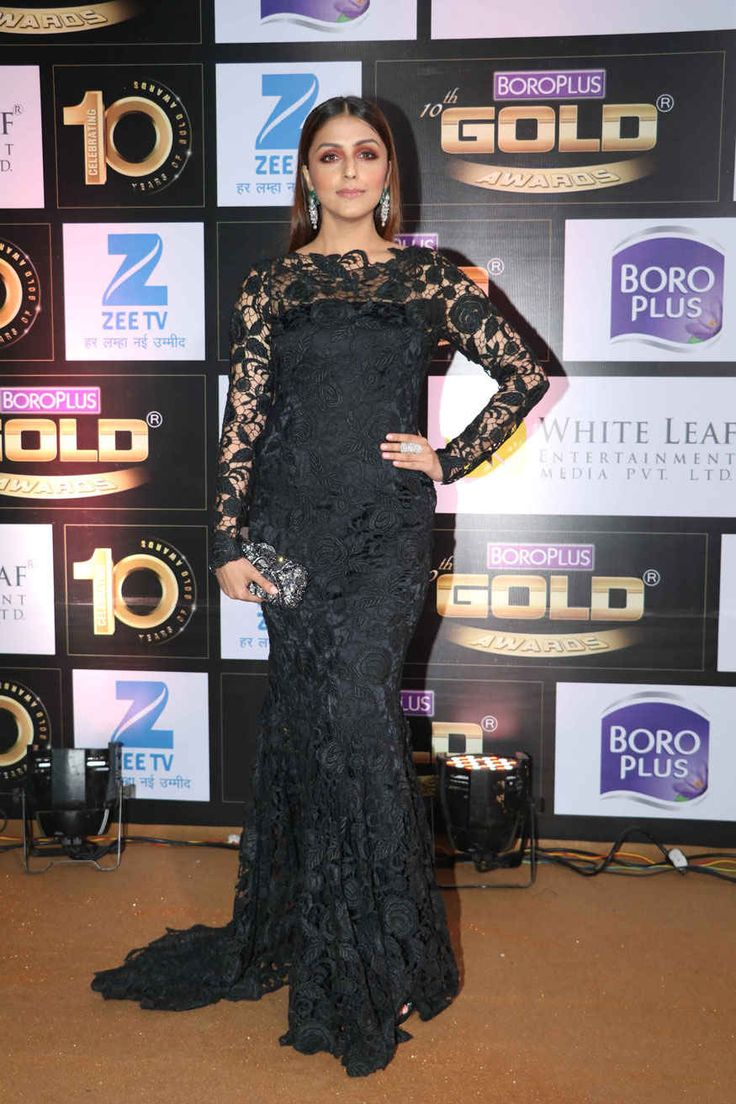 bollywoodmirchitadka: Aarti Chhabria and Pooja Gor Poses at The 10th Zee...