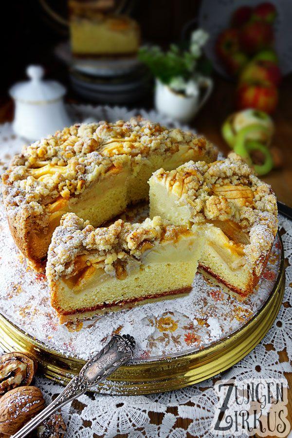 Der versunkene Apfelkuchen ist wohl einer der größten Kuchenklassiker überhaupt! Nahezu jeder kennt und mag ihn. Lockerer Rührteig und saftige Äpfel, mehr braucht es eigentlich nicht, um das Herz eines…
