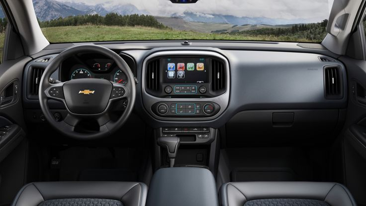 Long ago, the American automakers ceded the small truck market to the Asian manufacturers. Now they want it back, and the 2015 Chevrolet Colorado is a great start. It's the small diesel truck we've been dreaming about.