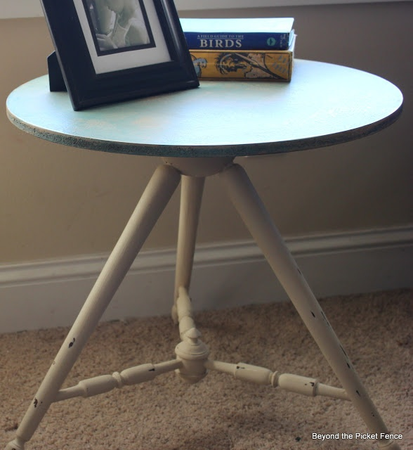 Upcycled table at Beyond The Picket FencePicket Fences, Diy Diy, Tables Based, Tables Tops, Mid 80 Tables, Diy Adventure, Upcycling Tables