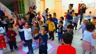 Sim Animasyon -  #danslarımız #oyunlarımız #sihirbazlığımız #masaoyunlarımız #simanimasyon #animasyon #eğlencelidanslar #eğlencelioyunlar #neşe #coşku #komik #değişik #neşelidanslar #neşelioyunlar çocuk #çocuklar #öğrenciler #anaokulu #anasınıfı #ilköğretim #sınıf #öğretmen #anneçocuk #babaçocuk #çitflidanslar #eşlidanslar #komikdanslar