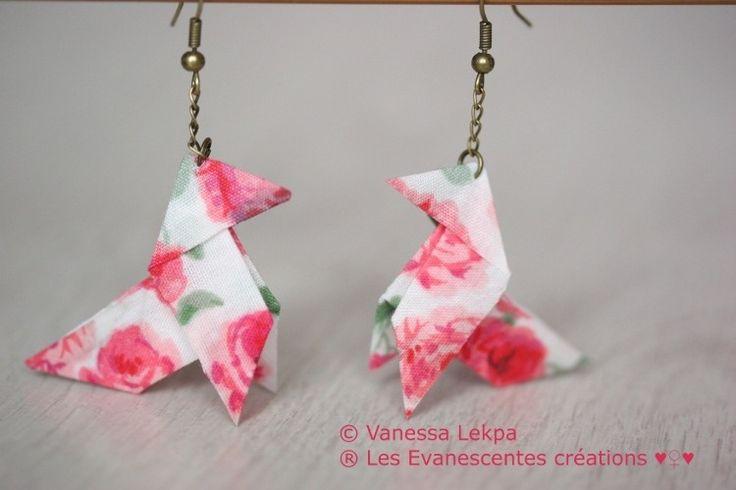 """Origami boucles d'oreille """"Kotori"""" en tissu coton rose liberty : Boucles d'oreille par eva-creations"""
