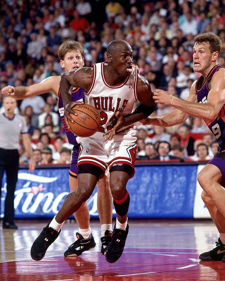 On this date in 1993, Michael Jordan scored 55 points in a Game 4 win over the Suns. Those 55 matched the second-highest single-game point total in @NBA Finals history. #TBT