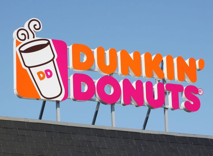 Lose weight when you hit the closest Dunkin Donuts location with these diet expert picks, from Munchkins to breakfast sandwiches.