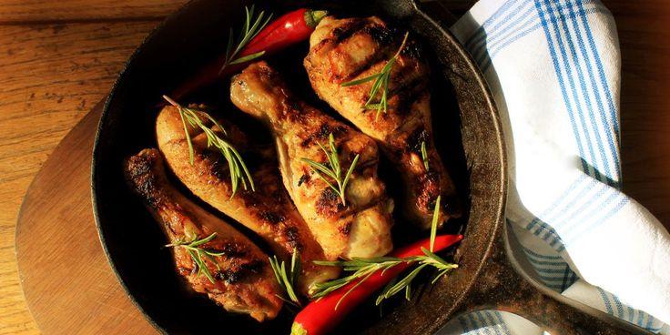 Καυτερές τηγανιτές φτερούγες κοτόπουλου
