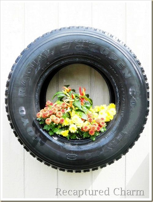 DIY: All Seasons tire planters Wonderful recycling idea! #diy #gardening