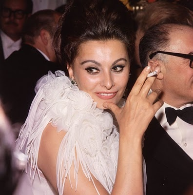 Sophia Loren: Photos, Cigarette, Sophia Loren, Sofia Loren, Collar, Movie, Italian Actor, Academy Awards
