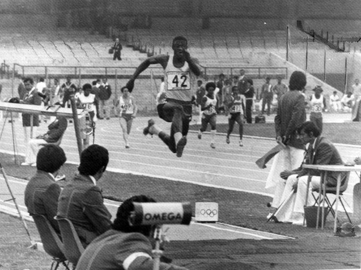 Claudine Petroli/Estadão  28/09/2015 | 13h17  FOTOS HISTÓRICAS João do Pulo quebrou o recorde mundial do salto triplo e ganhou medalha de ouro no Pan do México em 1975 Foto: Claudine Petroli/Estadão