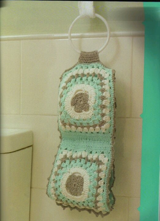17 Best images about Crochet toilet paper cover on Pinterest Toilets, Cherr...