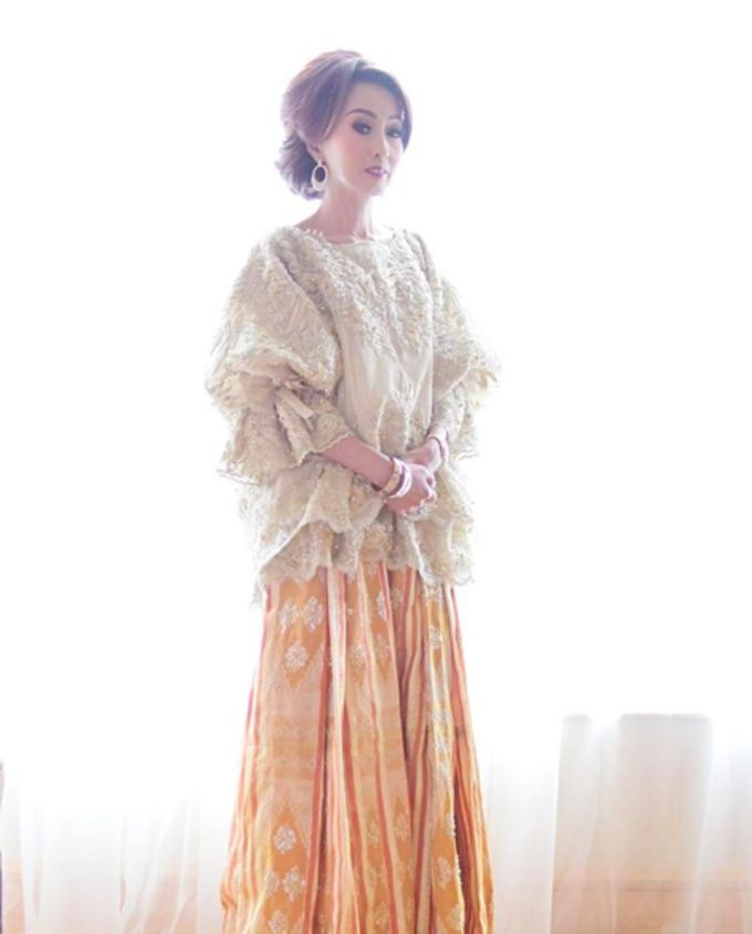 The Serene Baju Bodo by SVARNA by IKAT Indonesia Didiet Maulana - 006