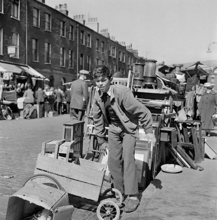 Inverness Street, Camden Town, 1960-65 (this is how I remember Inverness Street - bought quite a few things there in the past including a nice high chair)