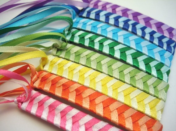 Retro 80's barrettes, all you need is a feather :)