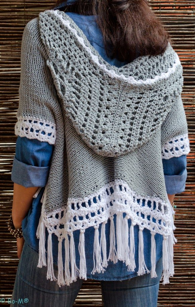 I absolutely adore this poncho with hoodie however no idea where to find it or a pattern. Camisola Aponchada Com Capuz
