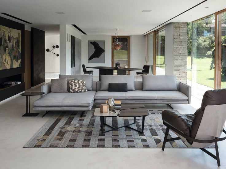 Moss by Arketipo is a modern sofa with a minimal and sophisticated design. The visual result is a reassuring sensation of daily comfort with attention to minimalist detailing.
