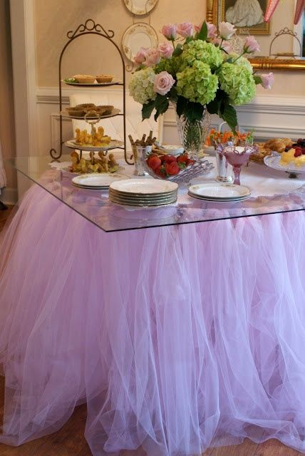 Amaze everyone on your little princess birthday party with this magnificent table setting.