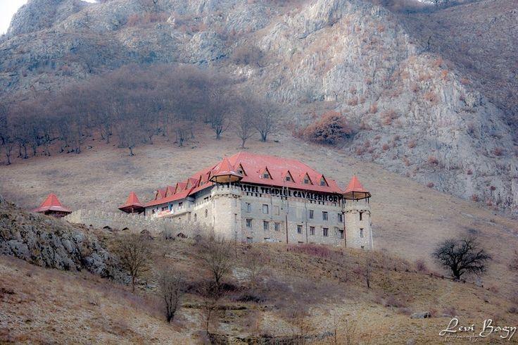 Castelul Templul Cavalerilor - Cheile Aiudului