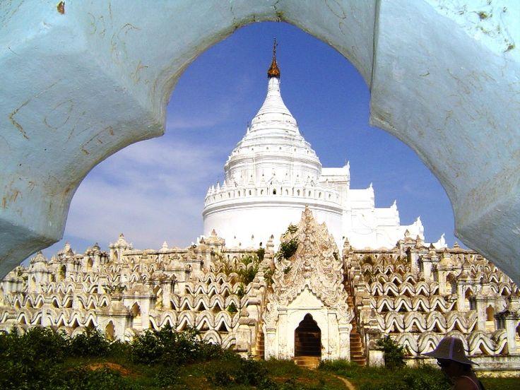 #Mingun, #Myanmar.  Dziś to mała wioska, kiedyś - stolica Birmy. Znajduje się tu kilka ciekawych świątyń godnych uwagi.