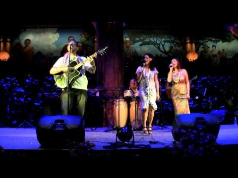 Rob Ruha with Maisey Rika and Ria Hall, Polynesian Cultural Center 2012