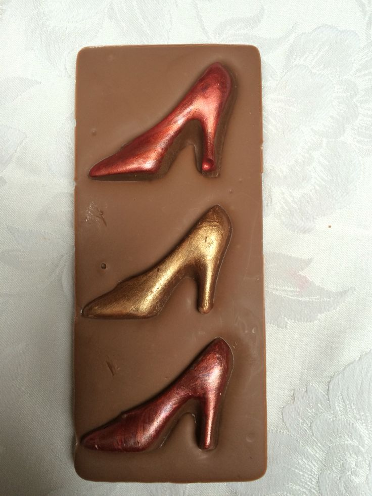 Chocolate - Hand painted shoe chocolate bar from Chocandroll on Facebook
