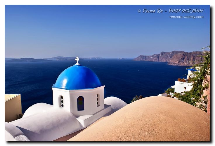 © Blue of Santorini Island http://www.photoone.org/editors-award-honorable/editor-award-honorable-october-2013-7415.html/attachment/04-10-2013-photo-by-renzo-re Photo One - EDITOR'S CHOICE AWARD- HONORABLE MENTION Renzo Re - PHOTOGRAHY © http://renzore.weebly.com