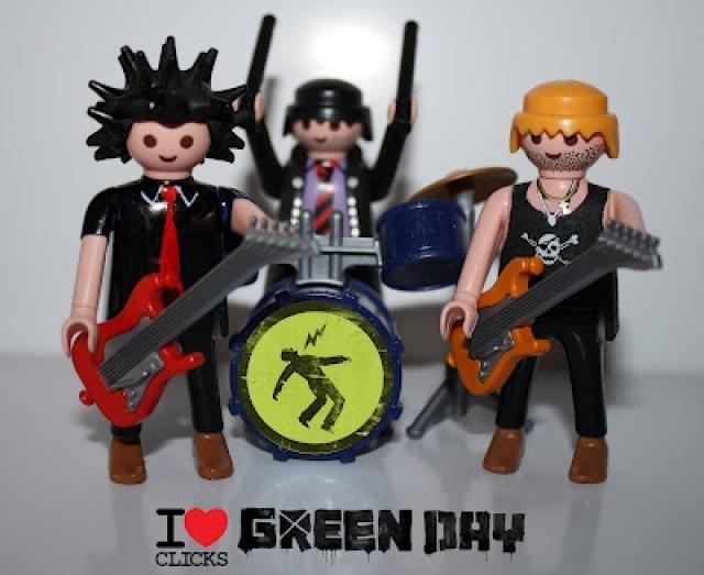 Los grupos de música más famosos de la historia, versión playmobil: GREEN DAY