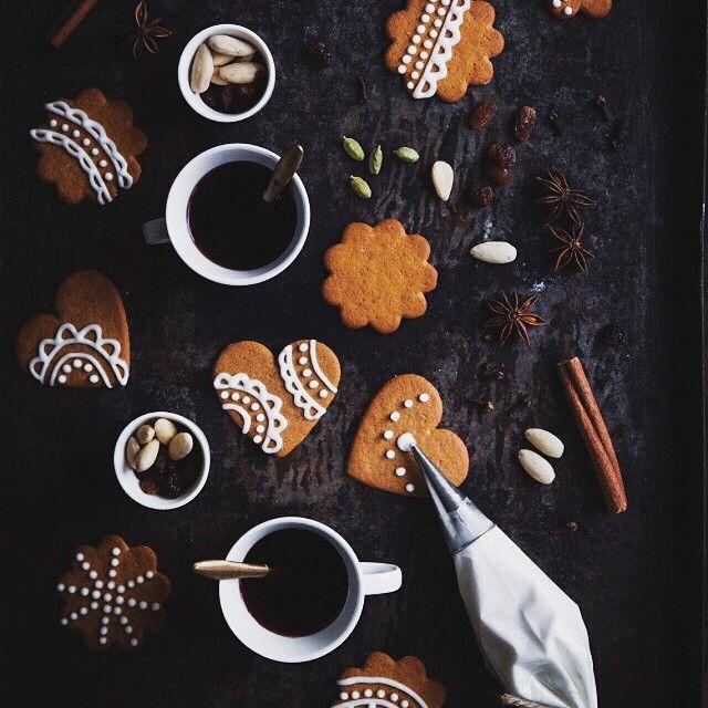 Mini Gingerbread Men Cake Decorations