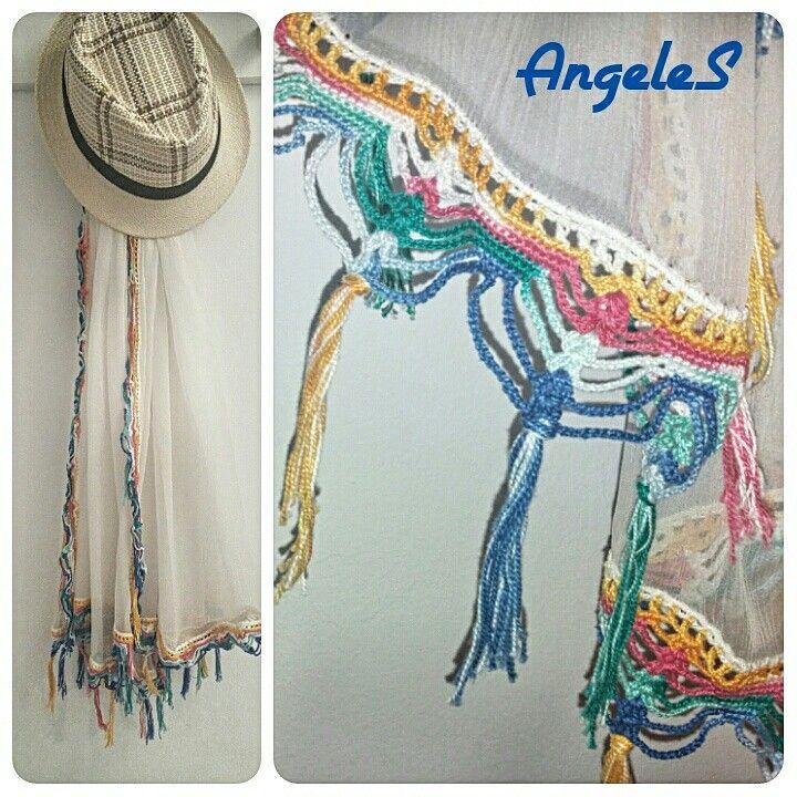 Fular seda con puntilla de ganchillo de colores