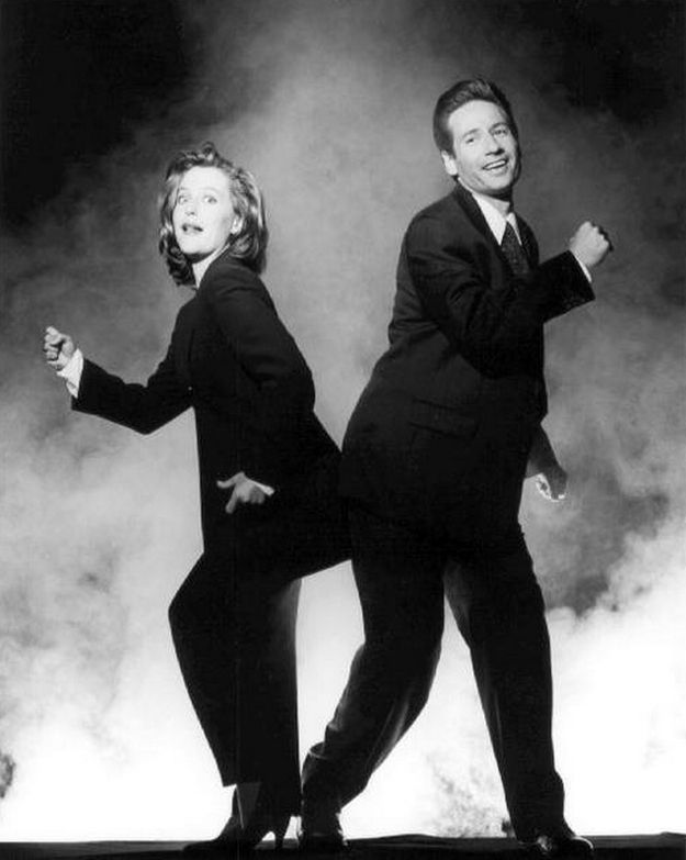 Mulder and Scully: oh you two. Sigh. (Hearts drift above head).