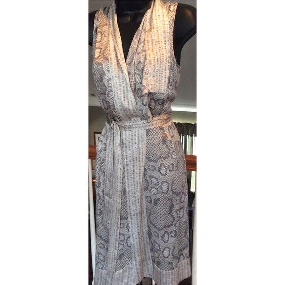 Antonio Melani Beautiful silk dress. Wrap around tie. ANTONIO MELANI Dresses Midi