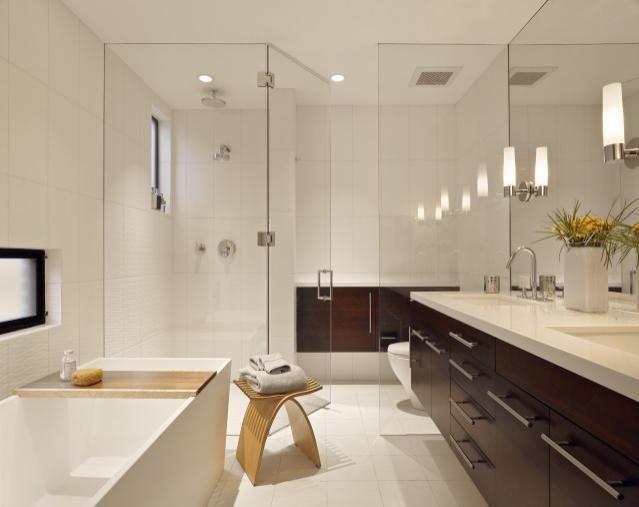 Дизайн воздушной ванной: стеклянные двери вместо шторки