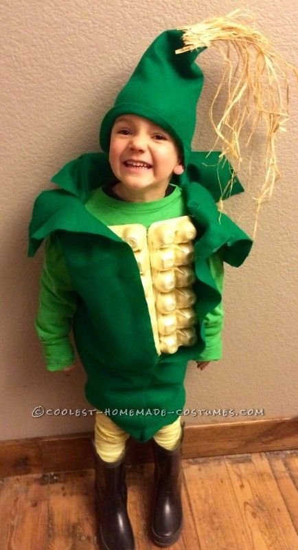 Corn on the cob homemade costume for Halloween made with yellow egg cartons and green felt.