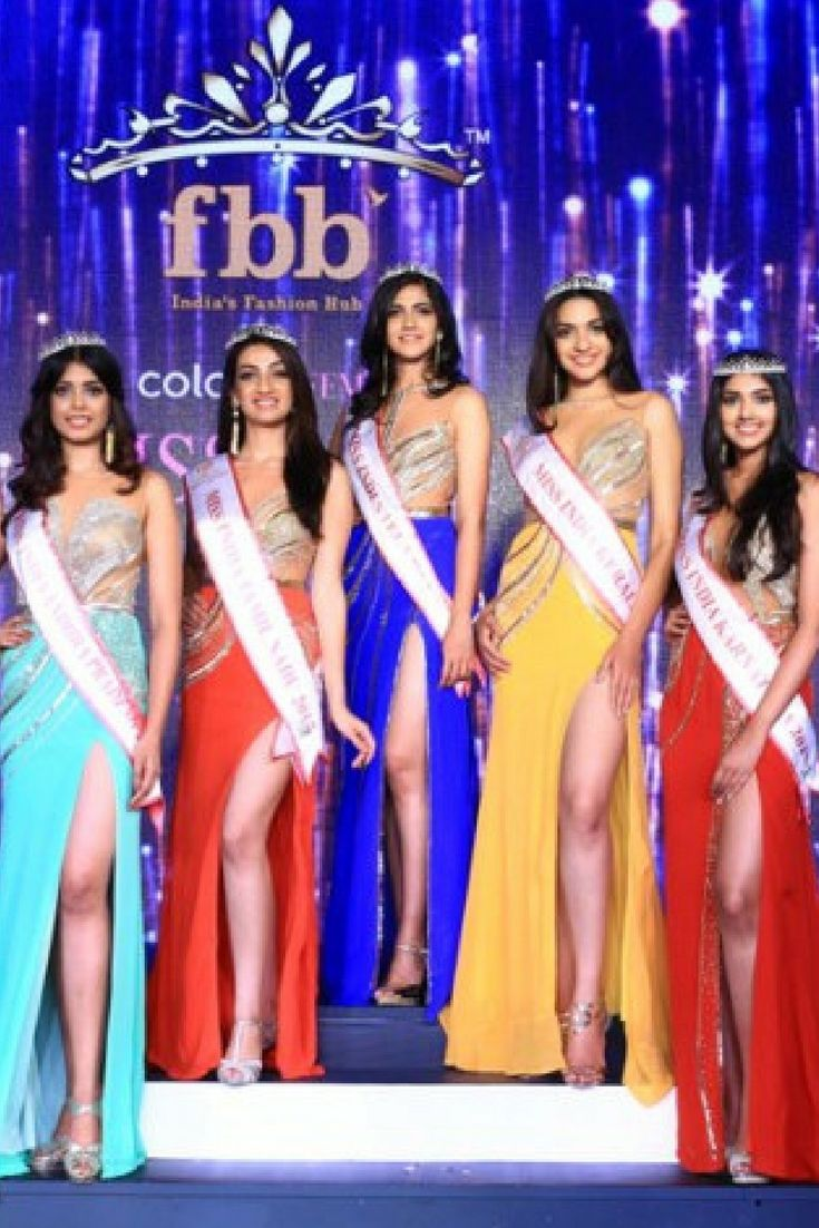 Crowning Ceremony - FBB Colours Femina Miss India South 2017  Read our post on this: http://bit.ly/2lSTScF #MissIndia #FeminaMissIndia2017 #beautypageant #fbb #crowneplaza #jio #FeminaMissIndia #Bangalore #beauty #Women #WomensDay