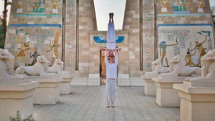 Ancient Egyptian Temple, Egypt This Creative Couple Got Married In 38 Different Places Around The World • Page 6 of 6 • BoredBug