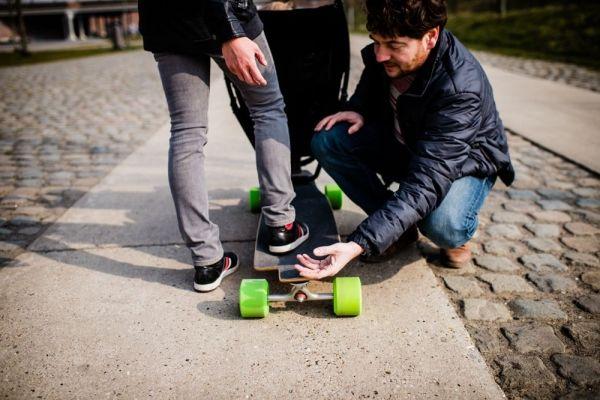 Designer Kinderwagen – Innovative Kombination mit Longboard von ...