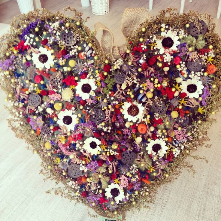 Floral heart filled with dried flowers by Atelier Floristic Aleksandra concept Alexandra Crisan