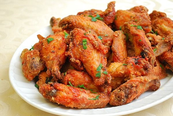 Zesty Italian Chicken Wings -  the chicken wings are brined for a brief moment before marinating in a mixture of oil, garlic, dried herbs, crushed red pepper and lemon juice - by ItsJoelen, via Flickr