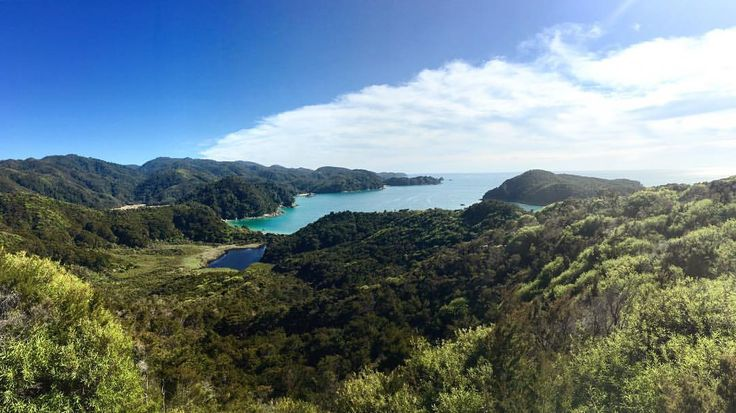 A view worth the hike to the top 💪🏼🙆🏼
